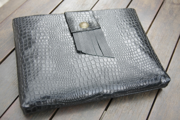 laptop-sleeve-available-in-all-sizes60-made-with-pvc